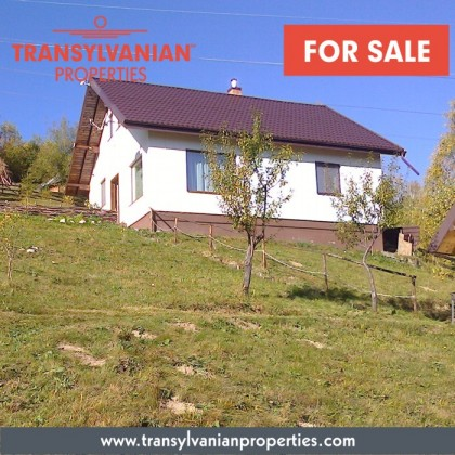 FOR SALE: Holiday home with separate building, and 3000 sqm land [with forest] in Simon Bran, Brasov County - Transylvania | Price: 85 000 euro