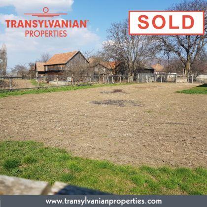 FOR SALE: Land in Gelence (Ghelinta) Transylvania | Price: 34 000 Euro.