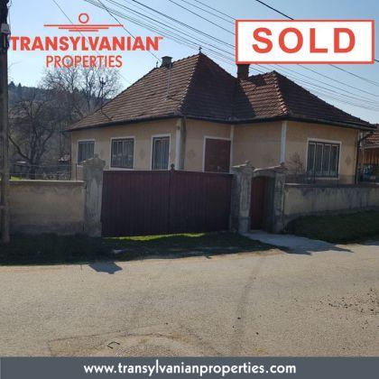 FOR SALE: Family home in Gelence (Ghelinta) Transylvania   Price: 78 000 Euro