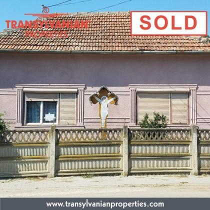 SOLD: Rustic House in Galtiu - Alba county - Transylvania - Romania   Price: 45 000 Euro
